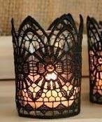 http://manualidadesreciclables.com/14687/personalizar-velas-con-puntilla