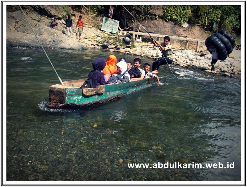 Bukit Lawang Tour Start Rafting to Meet Orang Utan