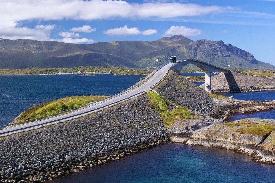Melintasi Samudera Atlantik, Jembatan Ini Paling Ekstrem Di Eropa