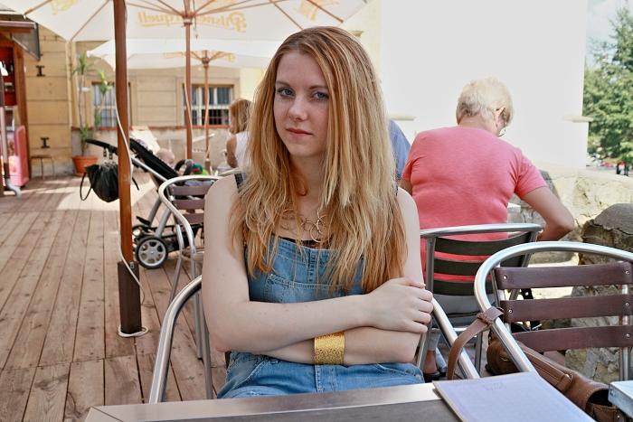 česká blogerka, Lucie Srbová, kalhoty s laclem, berhska
