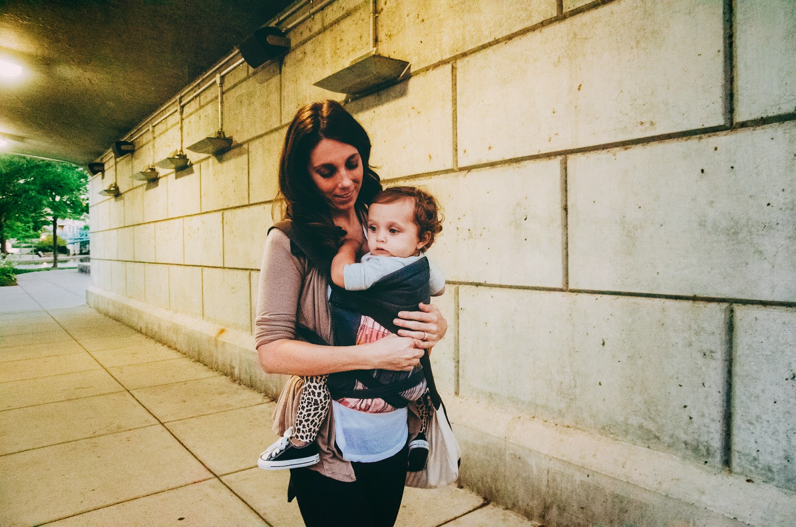 babywearing in downtown indianapolis family session