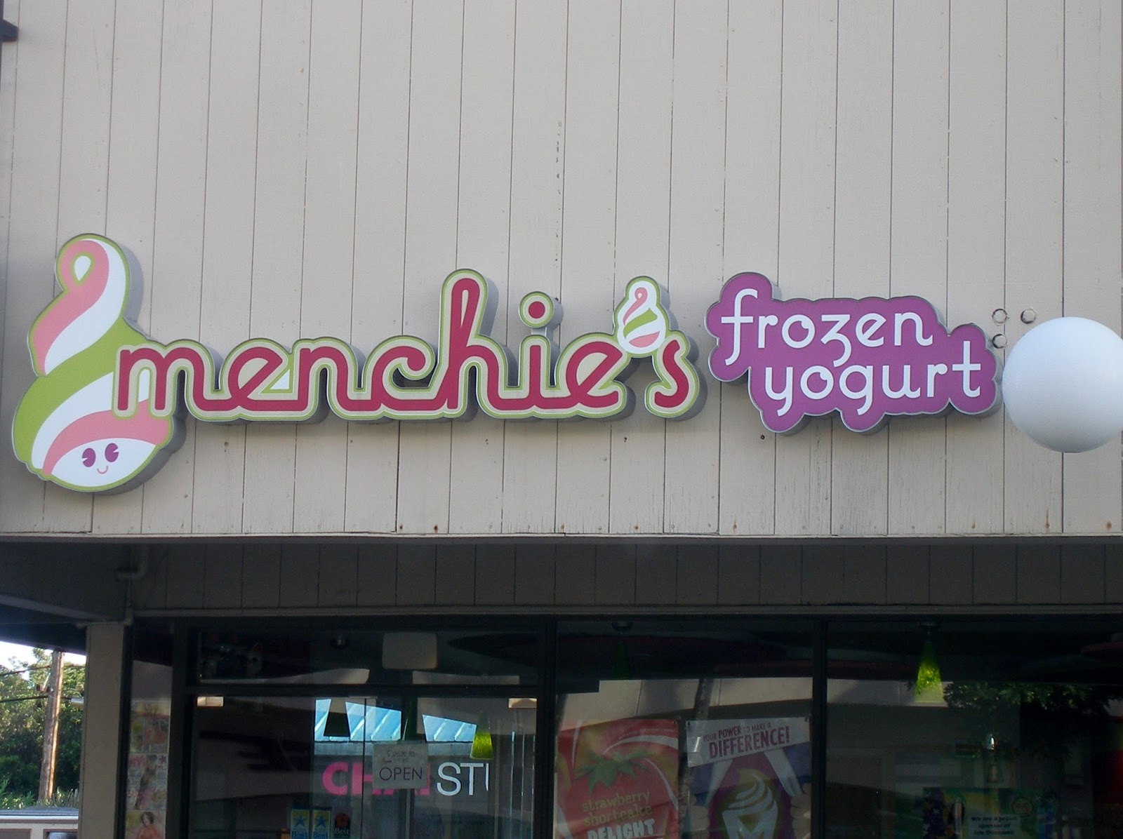 lei jolie i celebrated a treat for myself from my favorite frozen yogurt spot menchies near downtown honolulu a really nice way to cool off on a hot and sticky