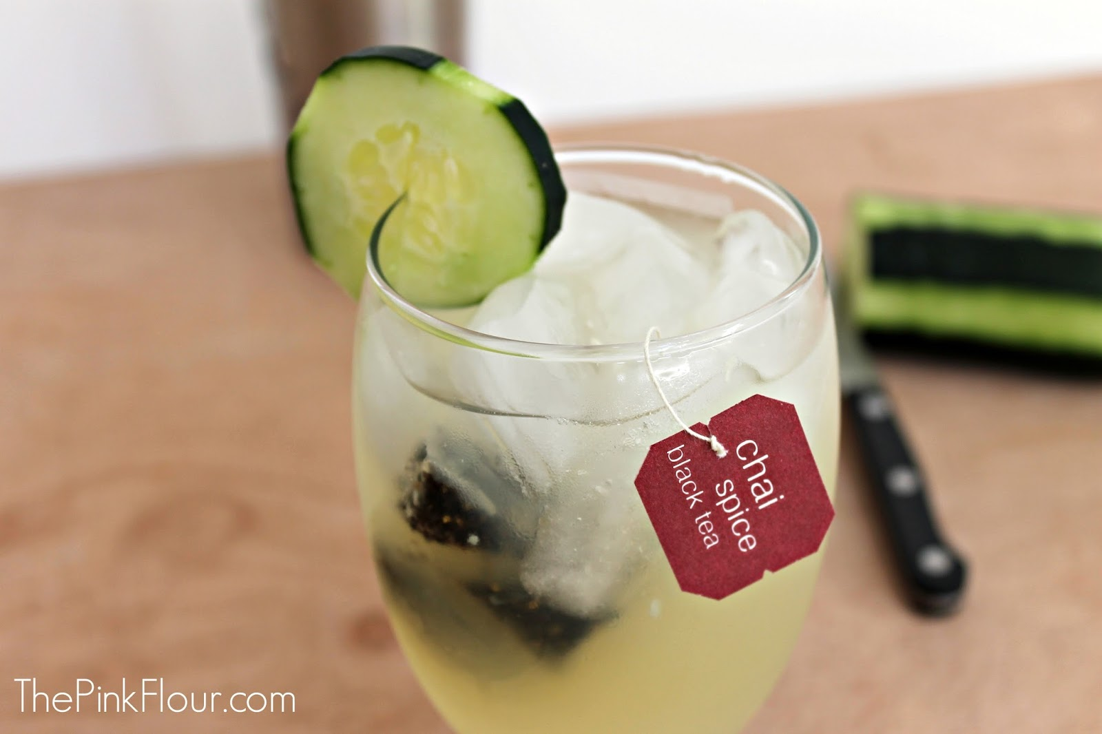 Chai Cucumber Lemonade www.thepinkflour.com #lemonade #drink #recipe #chai #cucumber