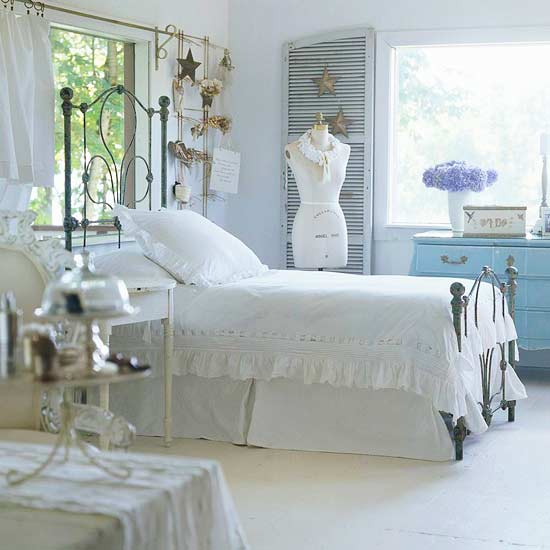 The bride 39 s diary home lifestyle cottage style bedrooms for Vintage jugendzimmer