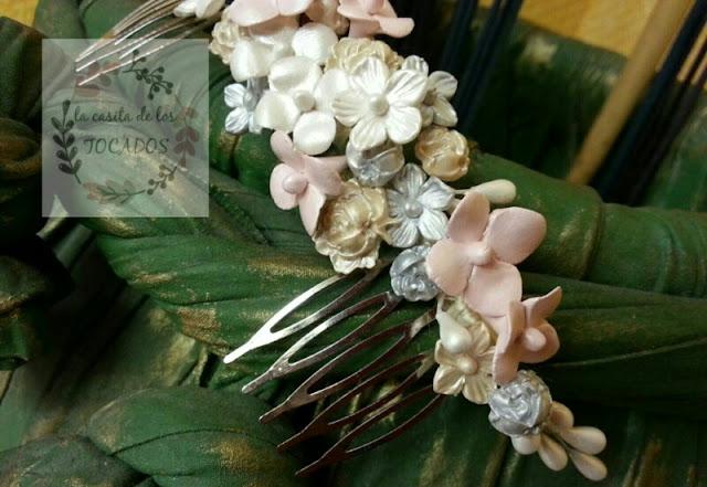 tocado vintage en tonos pastel con flores para novia