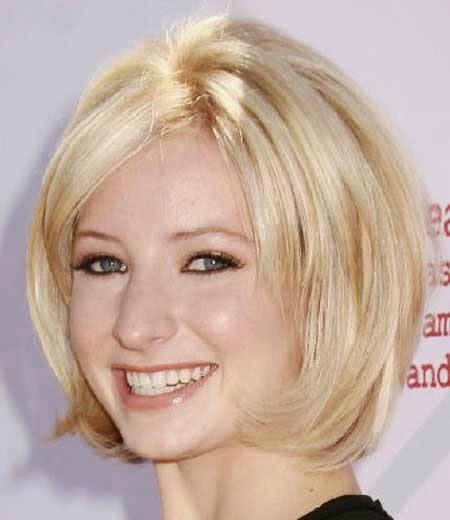 Cute Short Blonde Bob Haircuts for Women