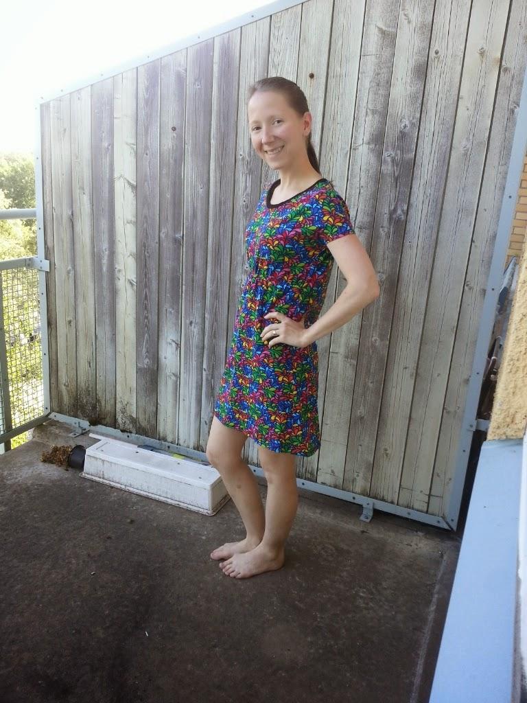 sy klänning vuxen