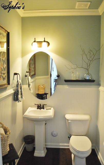 Sophia 39 s powder room makeover for Powder room color ideas