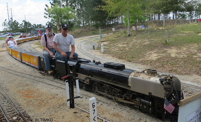 Ride On Train For Backyard : Linda and Sharon ready for a ride, Ed and I join them for a neat ride