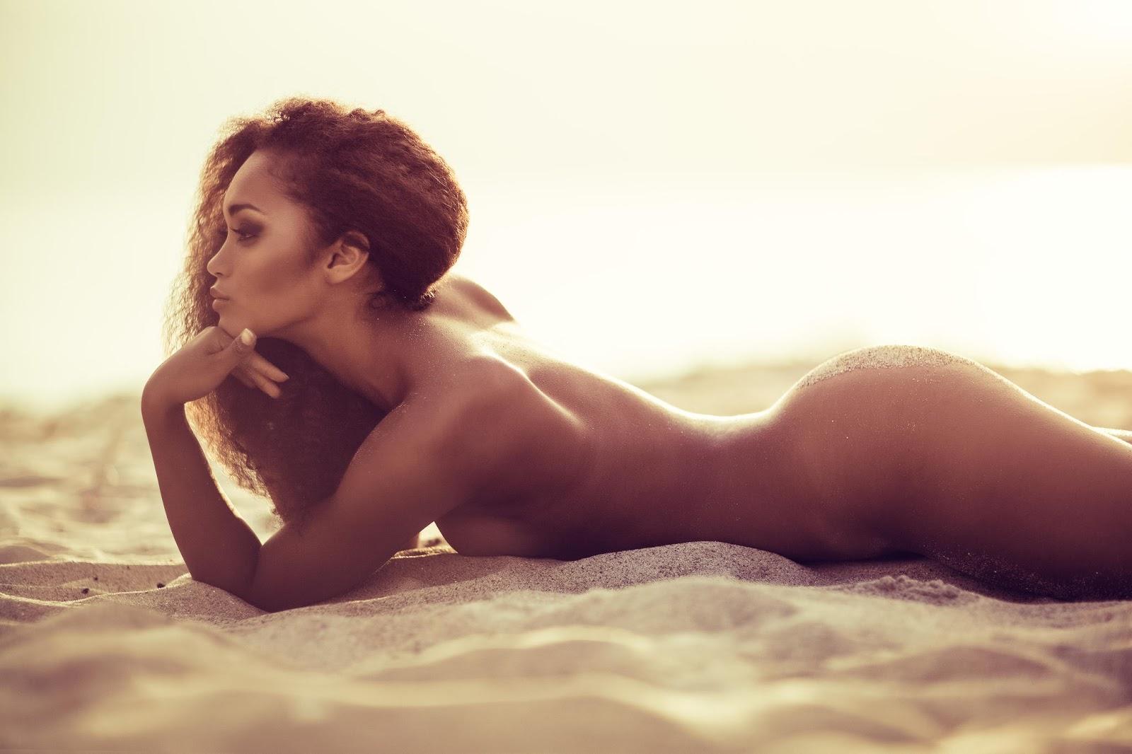 erotika-krasavitsi-golie-znamenitosti-smotret-foto