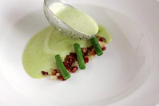 leves krémleves zöldbab zöld bab bableves zöldbableves zöldbabkrémleves vajbab húsos füstölt szalonna sertés pörc körte borsikafű