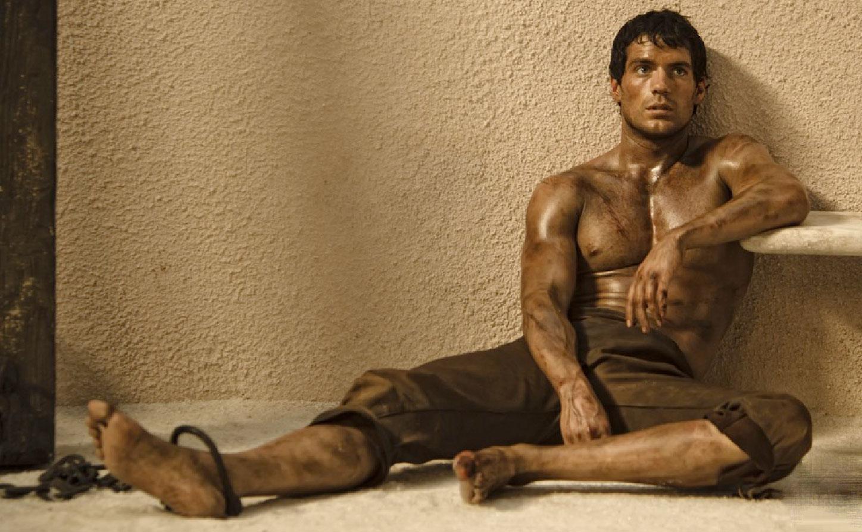 shirtless-henry-cavill-immortals-2.jpg