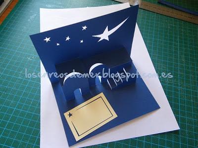 Tarjeta navideña realizada con la técnica de kirigami