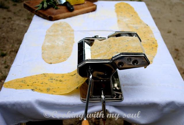 Paste de casa cu busuioc si oregano
