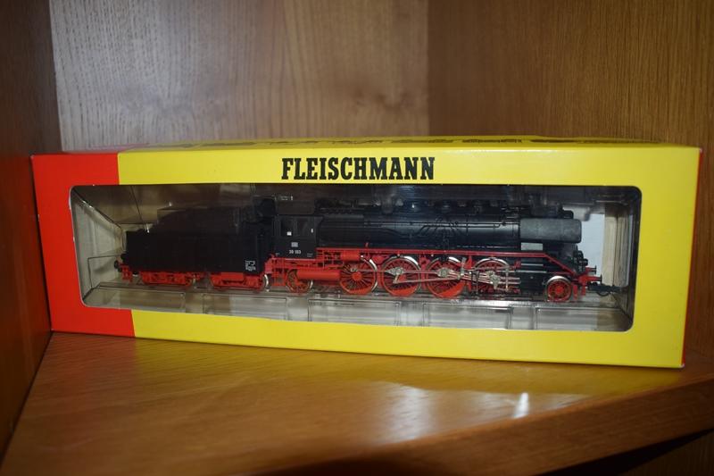 Fleischmann n.º 4138 - DB III 39.0-2