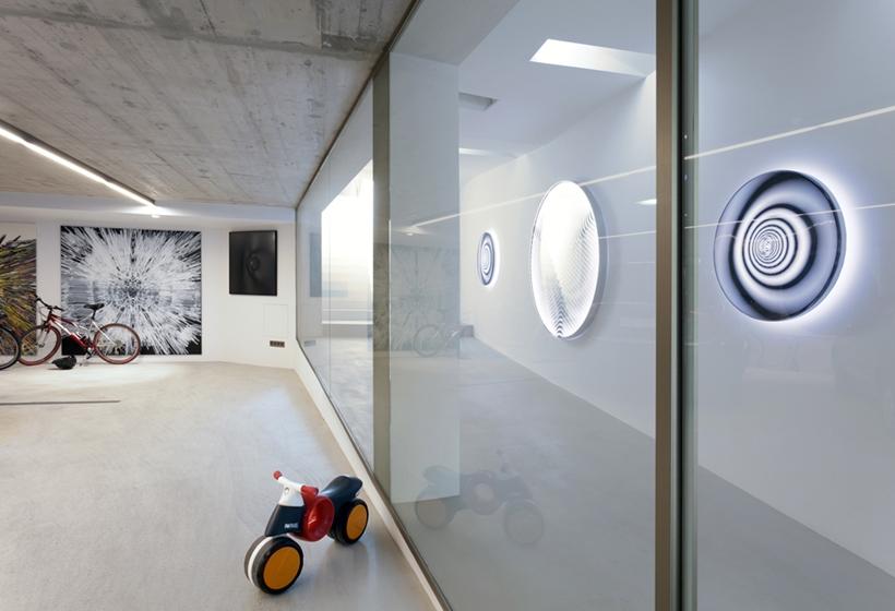 Glass wall in Ultra Modern House by architekti.sk, Slovakia