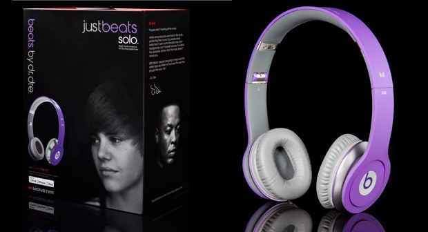 purple justin bieber headphones. that Justin Bieber has his