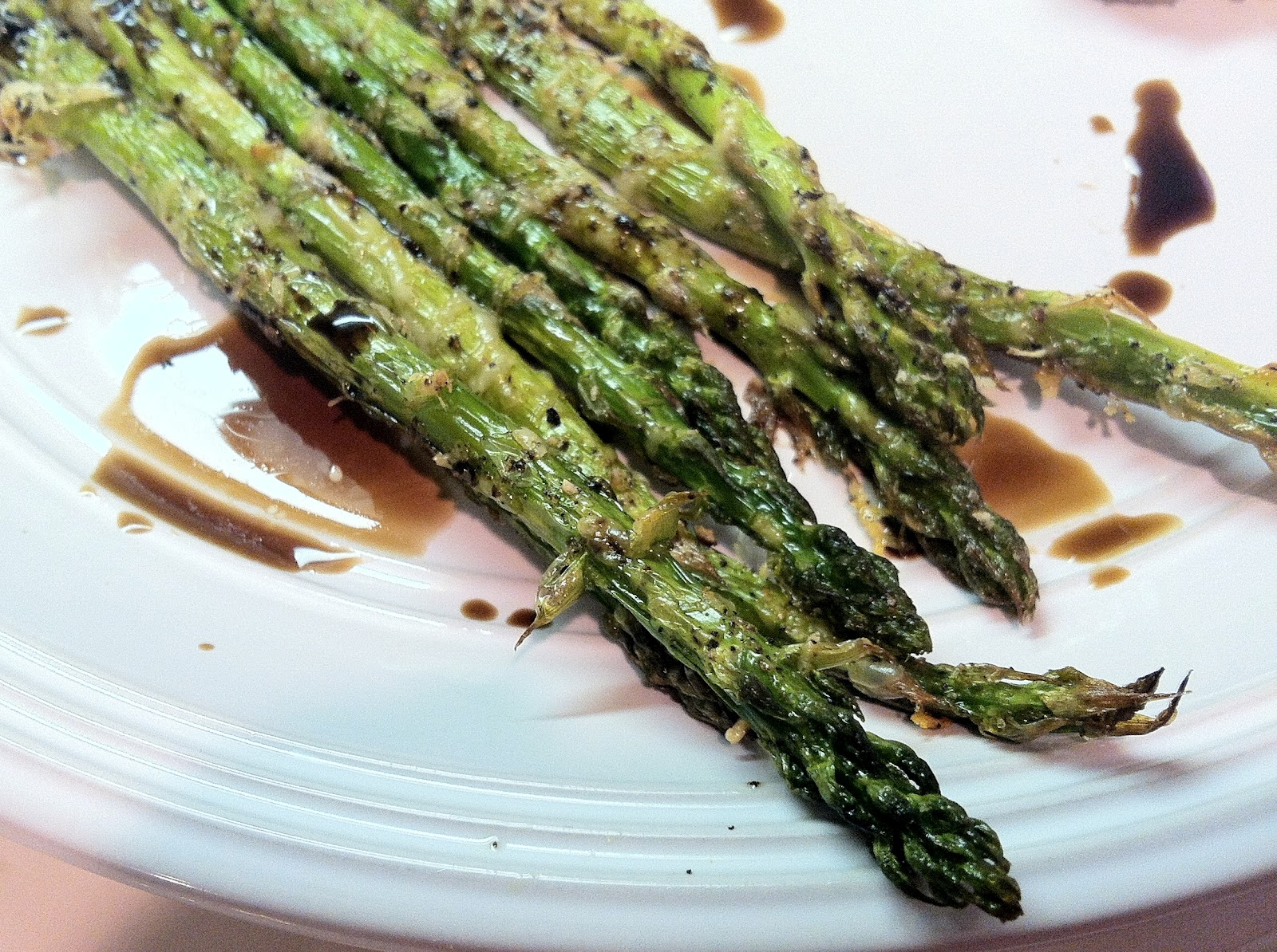 Low Carb Layla: Roasted Parmesan Crusted Asparagus with Balsamic