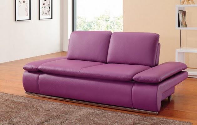 canapé violet moderne et confortable