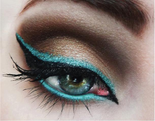 Ideia de maquiagem colorida para o carnaval