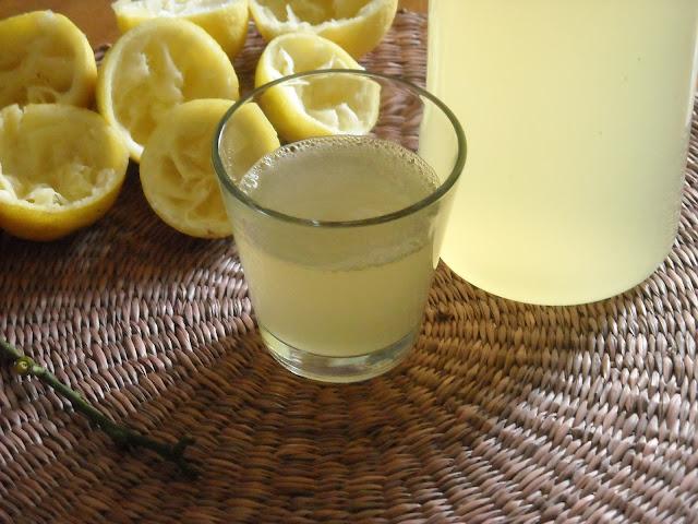 Μια λεμονάδα από πολλά λεμόνια!