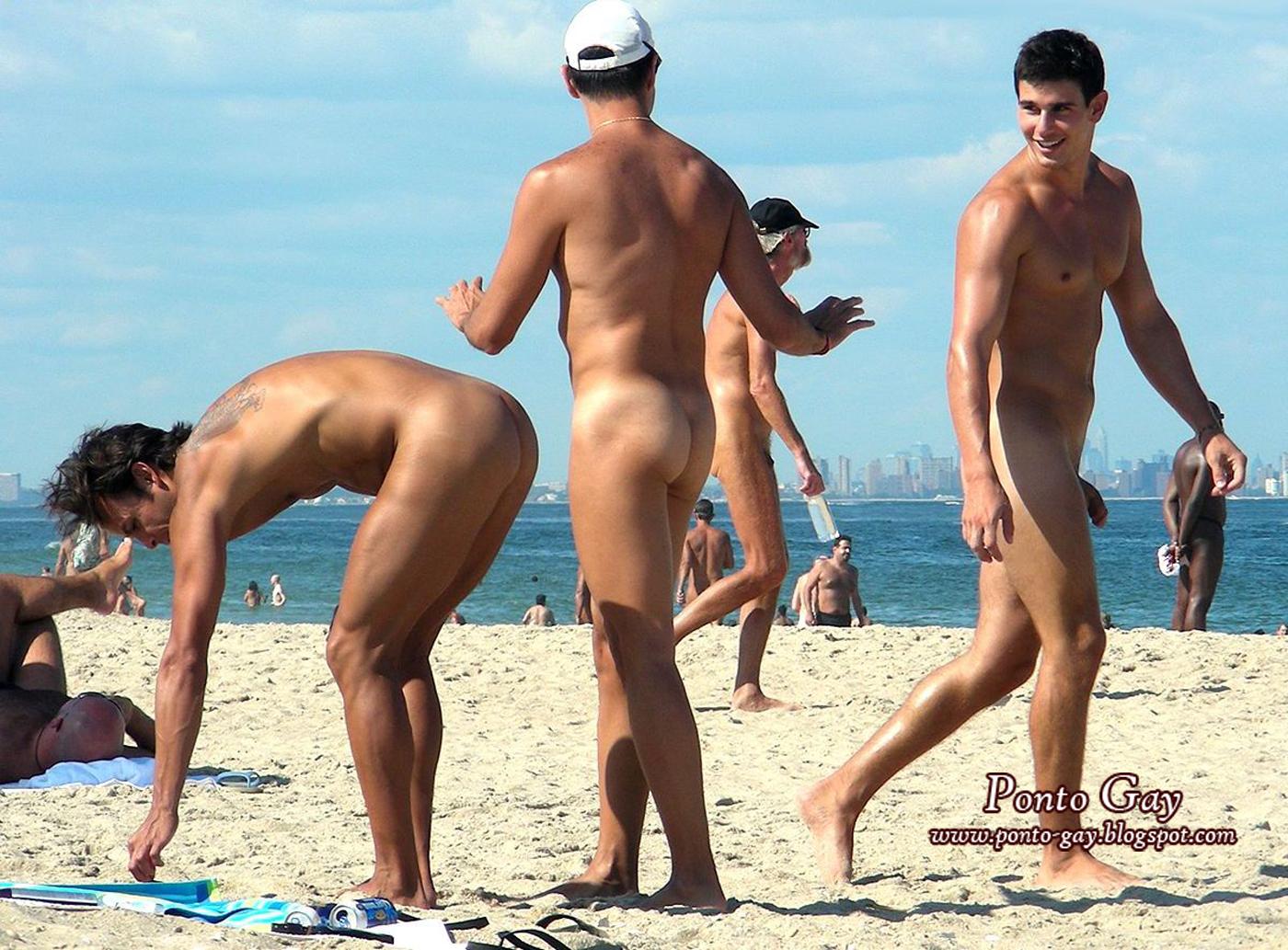 Голые ребята фото на пляже — photo 11