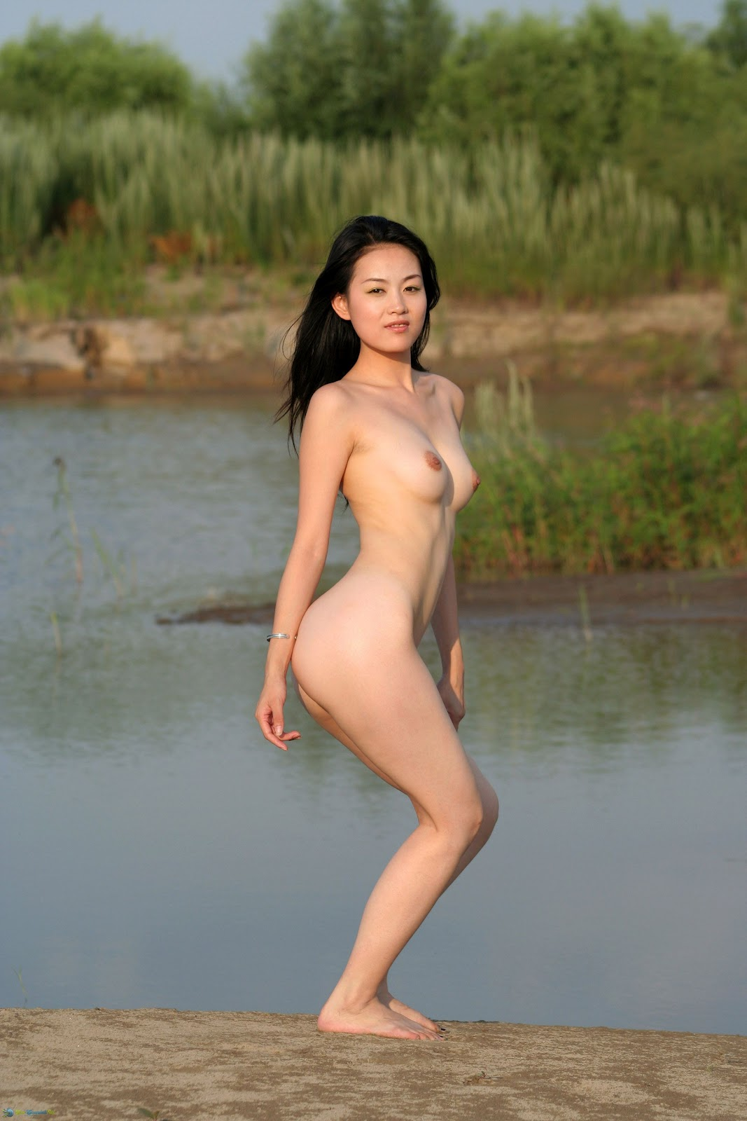 Nude models top chinese