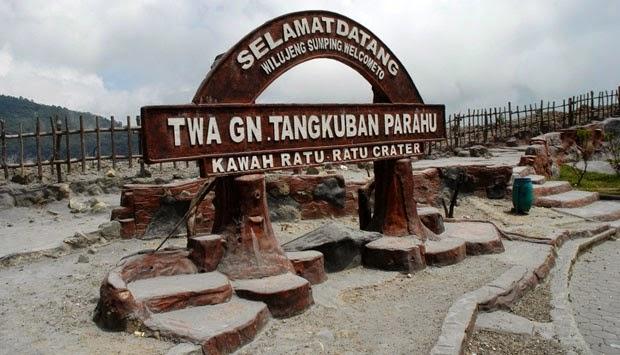 monument welcome ratu crater