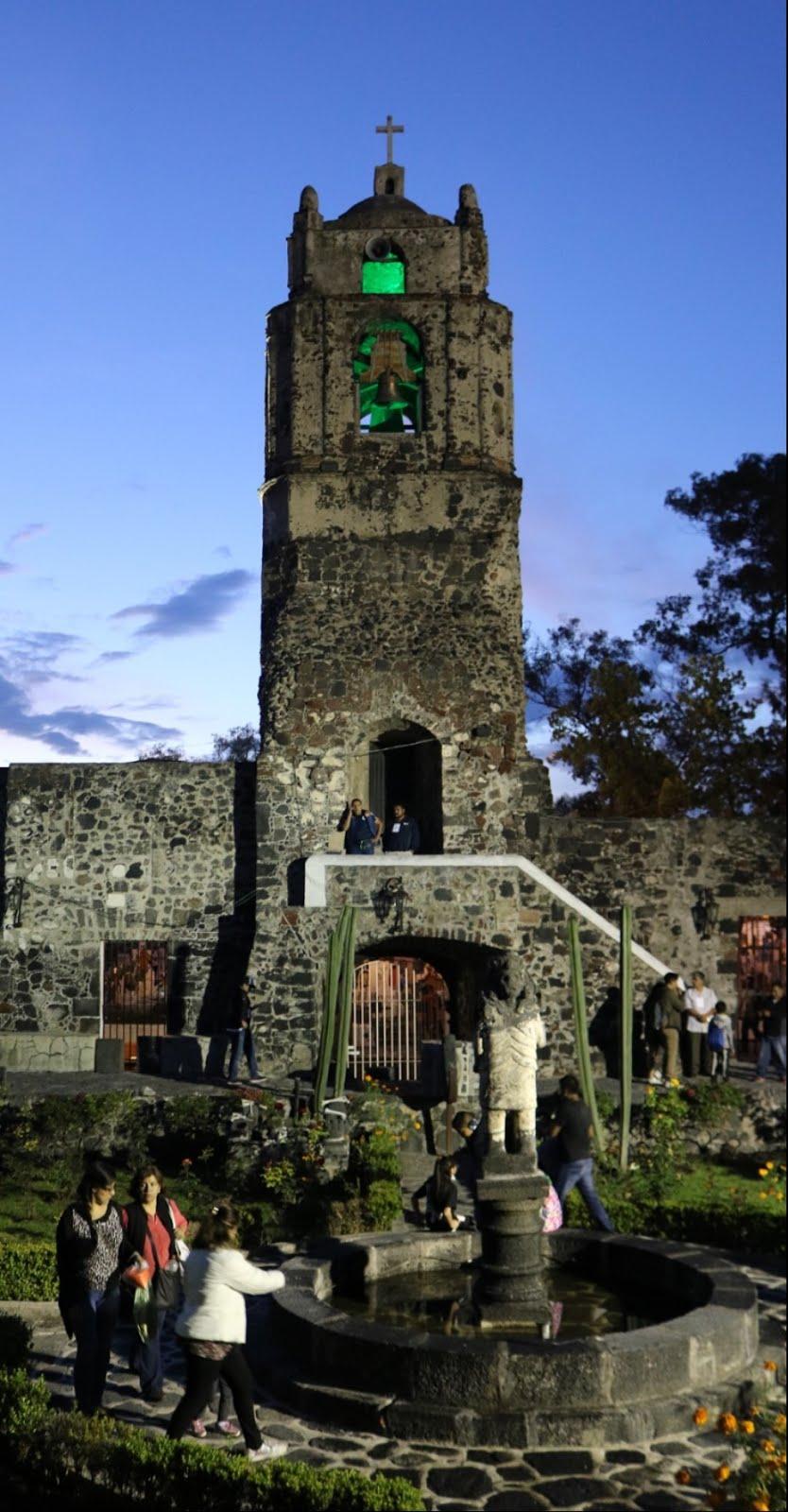 Políticos anaranjados convivieron en Mixquic con un «cazafantasmas»