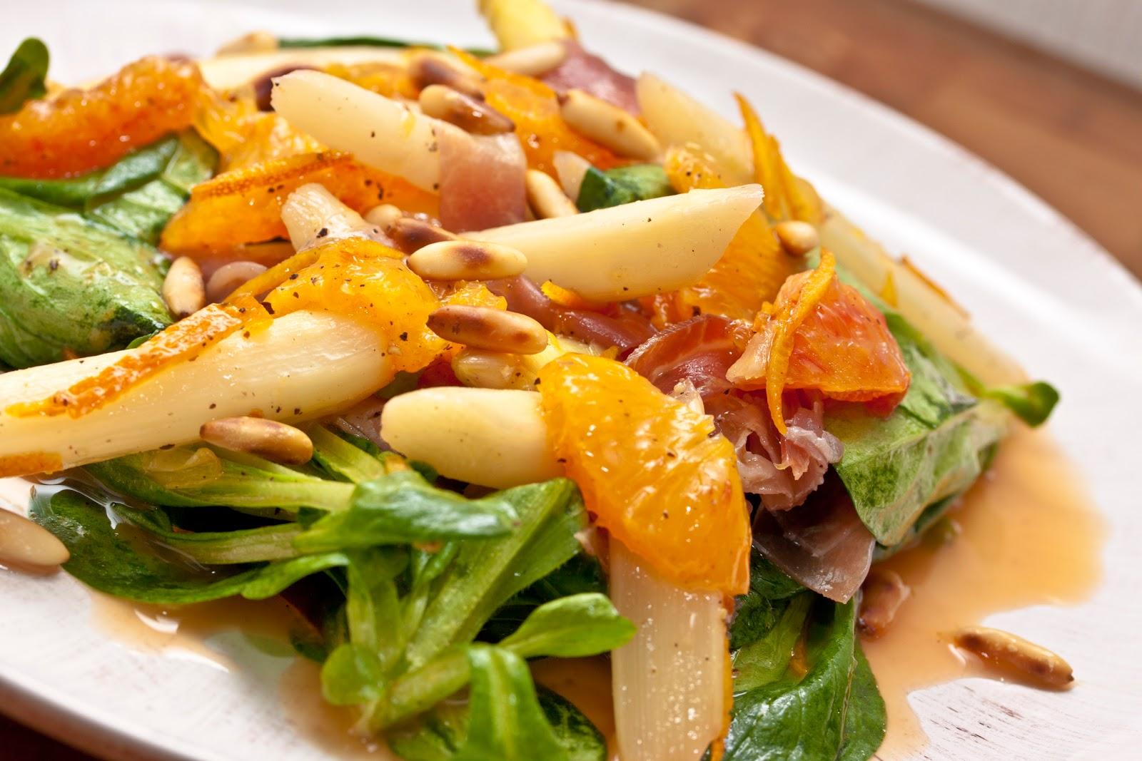 annetts kulinarisches tagebuch spargel orangen salat mit san daniele schinken und pinienkernen. Black Bedroom Furniture Sets. Home Design Ideas