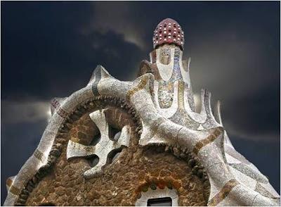 Mind House - Barcelona - España. Edificios extraños del mundo. Edificios mas extraños del mundo. Lugares Sorprendentes