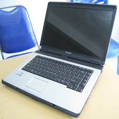 jual laptop 2nd toshiba l305