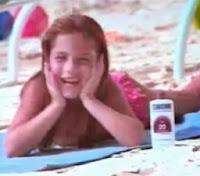 Comercial do Sundown, de 1992. Garotos apaixonados por uma garota.