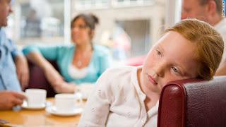 صورة طفلة حزينة جدا 2013