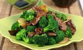شرائح اللحم مع البروكلي وصفة لذيذة