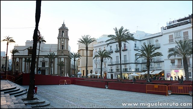 Plaza-Catedral-Cádiz