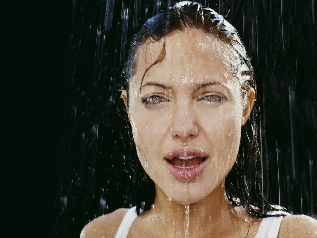 http://1.bp.blogspot.com/-hCZV6i1Jnjs/TdnsunYXZbI/AAAAAAAAA_8/t_KRhpvbQjc/s1600/Angelina-Jolie-103.JPG