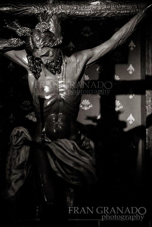 http://franciscogranadopatero35.blogspot.com/2014/05/esperanza-fe-y-devocion-en-arahal.html