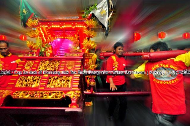 Judul : Cap Go Meh di Klenteng Hok Tek Bio    Fotografer : Wisnu Darmawan ( Klikmg3 )