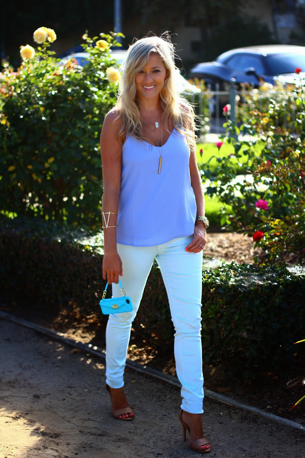 ocean blues, gold accessories, stella dot, light blue