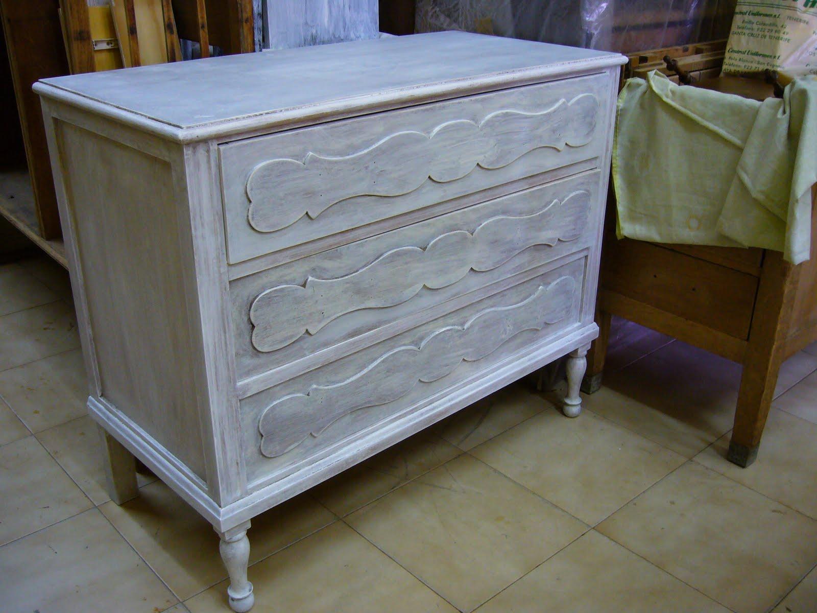 La restauradora muebles patinados algunos trabajos - Pintura blanco roto ...
