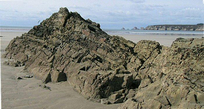Coulée de lave sur la plage de Kersiguenou