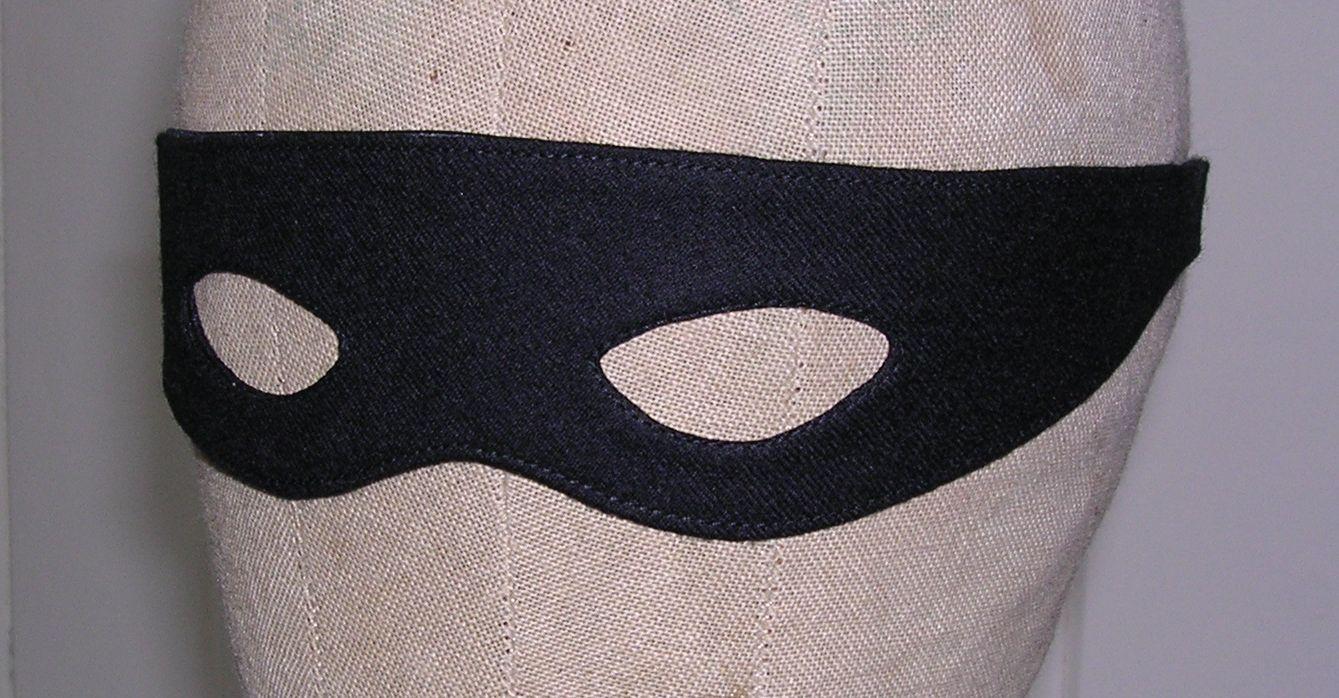 Sewing Cafe: Replica 66 Robin Costume