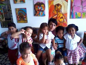 Visita do Colégio Cores Vivas ao meu ateliê, turma da tia Zane.