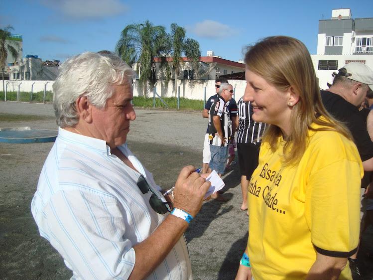 Mirim Doce City Mayor Maria Luiza interviewed by  Canadian freelance writer Carlos Mateus