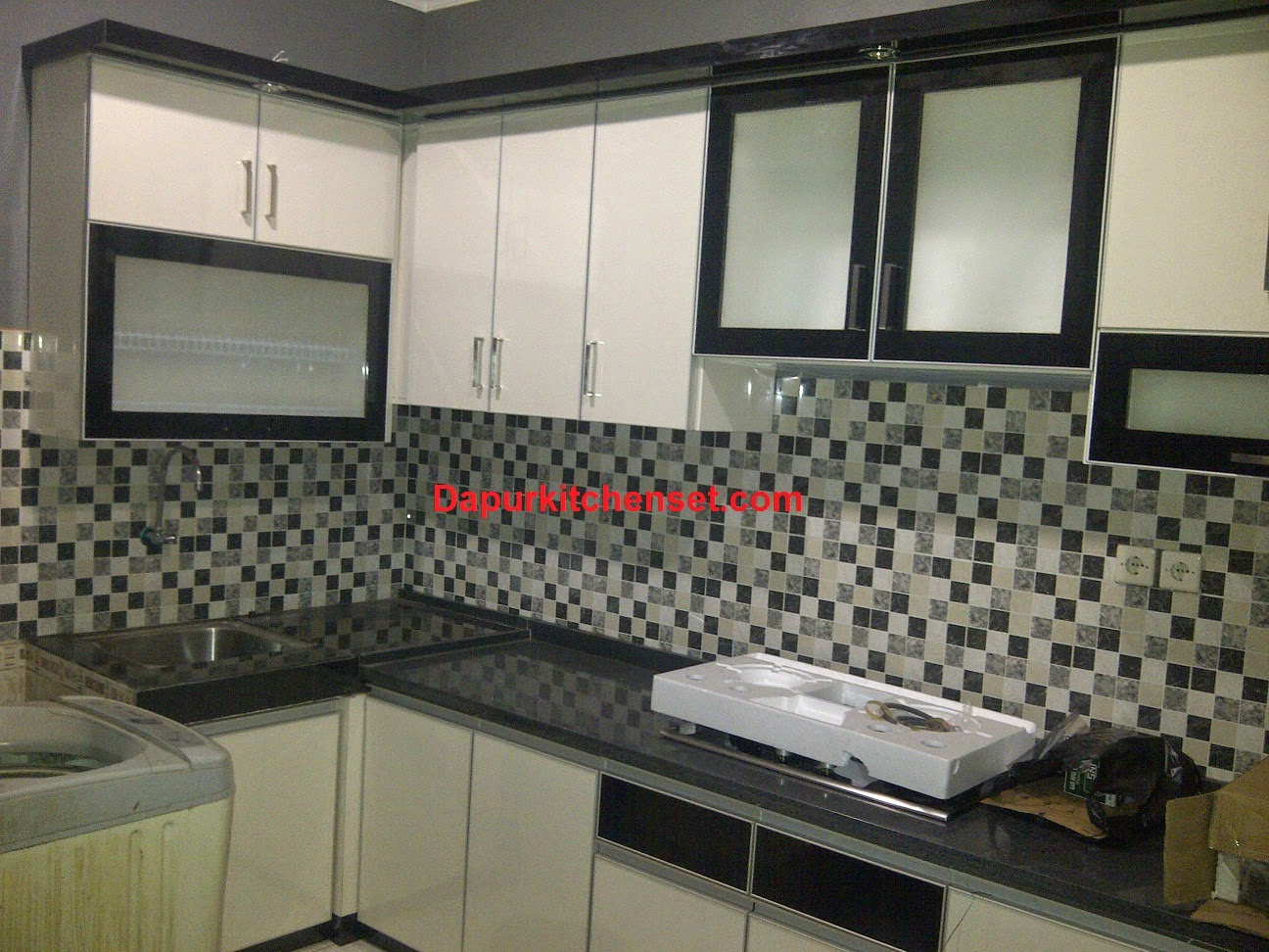 Jasa kitchen set harga kitchen set per meter murah for Harga kitchen set aluminium per meter