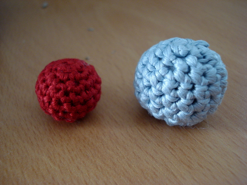 Crocheting Beads : Little Treasures: How to make crocheted beads