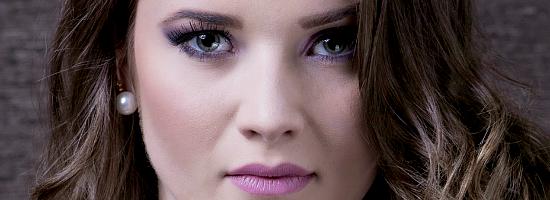 ... en la revista Brickell Magazine ! Kimberly luce maravillosa en estas