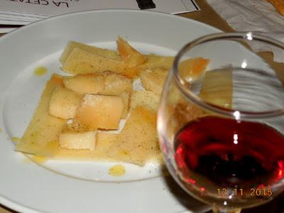 Grana Padano, La Cetate Cabernet Sauvignon, piper si ulei de masline