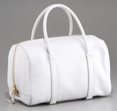 Dolar stále klesá a tak jestli nemůžete bílým kabelkám odolovat neváhejte ef106383146